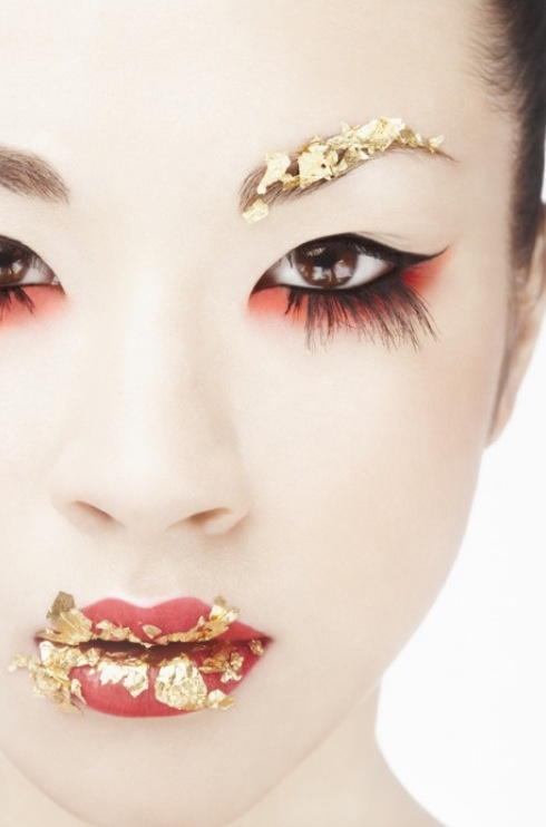 Creative Gorgeous makeup using Chinese colours gold n red...❤
