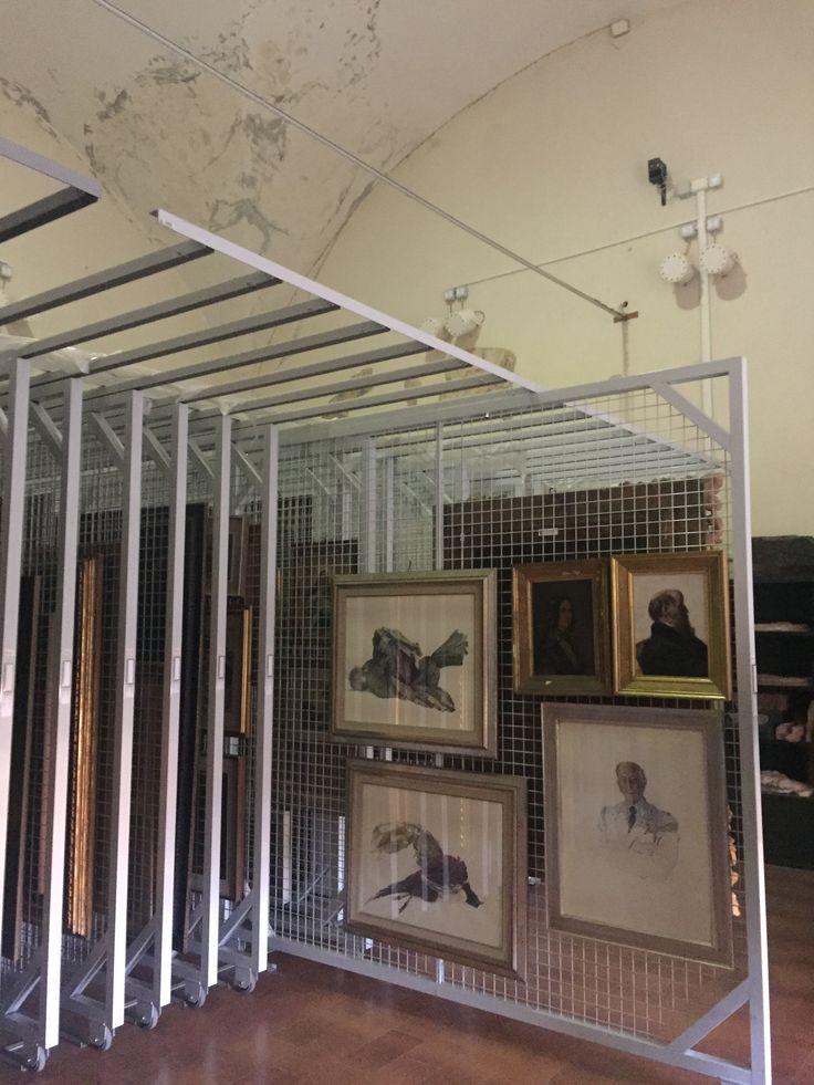 13 best rastrelliera porta quadri realizzate su misura images on