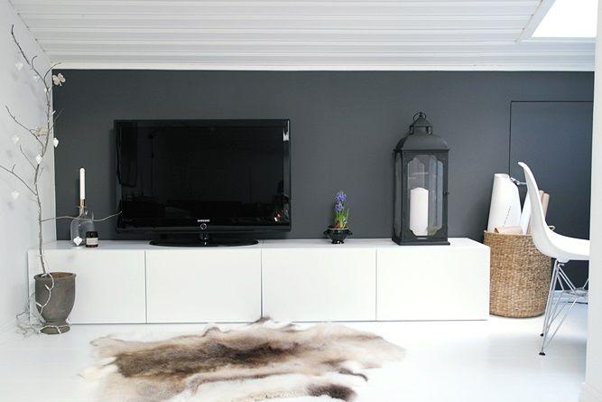 IKEA Beståskåp som TV-bänk, grå vägg bakom TV:n?