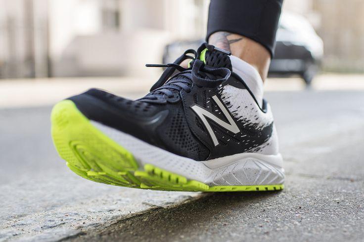 New Balance Vazee Prism to buty biegowe dla osób ze stopą lekko pronującą, do biegania po utwardzonych nawierzchniach. Stworzone do energicznym treningów. Równie dobrze sprawdzają się podczas treningów na sali.
