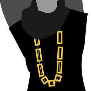 Easy Tips for Choosing the Right Necklace Accessorizing doesn't have to be confusing - here are a few simple tips to remember when choosing necklaces, followed by examples of the best necklaces for each...