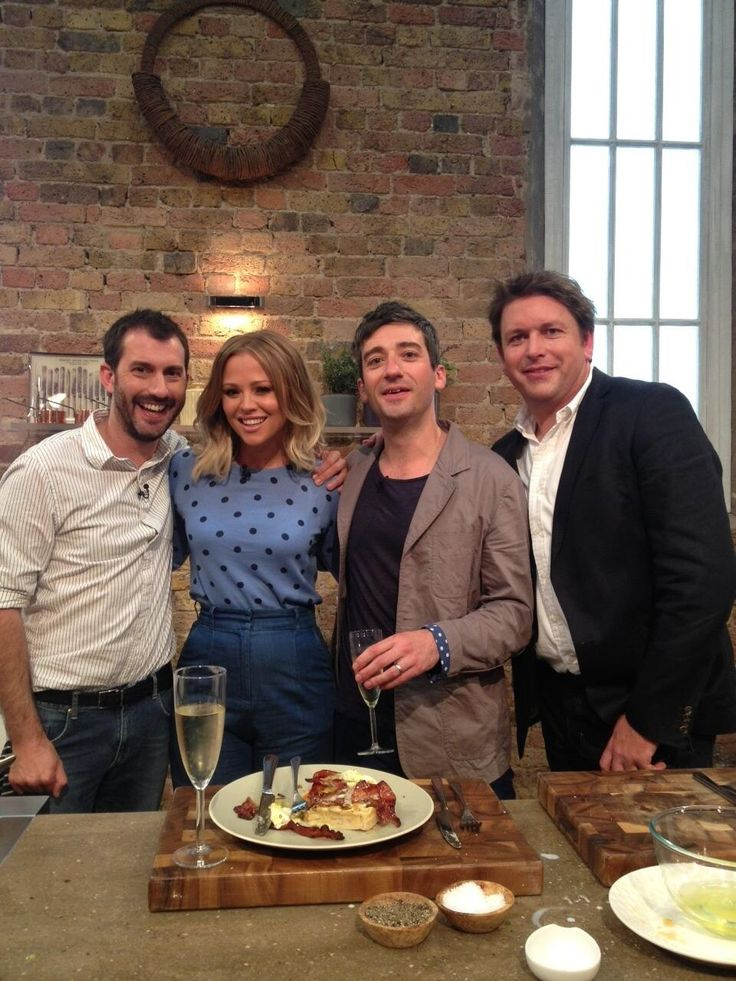 The lovely Kimberley Walsh 'spotted' in a dotty little #Boden number over on Saturday Kitchen.