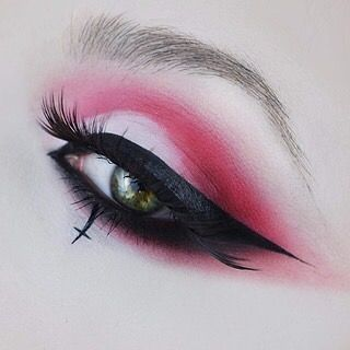 sugarpillcosmetics: We're obsessed with @pennold and the way...