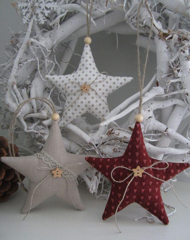 Baumschmuck: Stoff - Weihnachtsbaumschmuck /Sterne im Landhaus - Stil - ein Designerstück von Feinerlei bei DaWanda