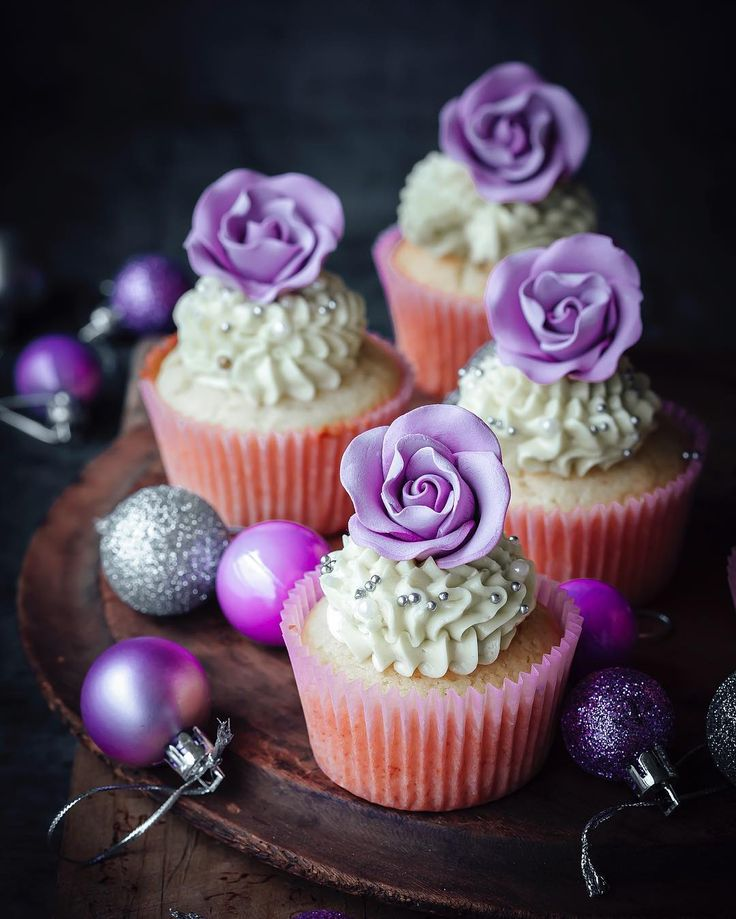 Gorgeous colours in these cupcakes