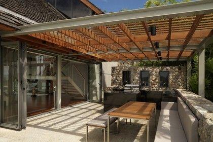Contemporary pergola - wood & metal