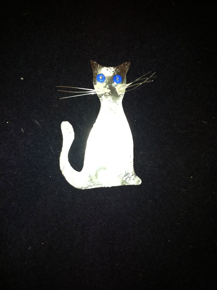 Metal cat brooch with beads & silver wire