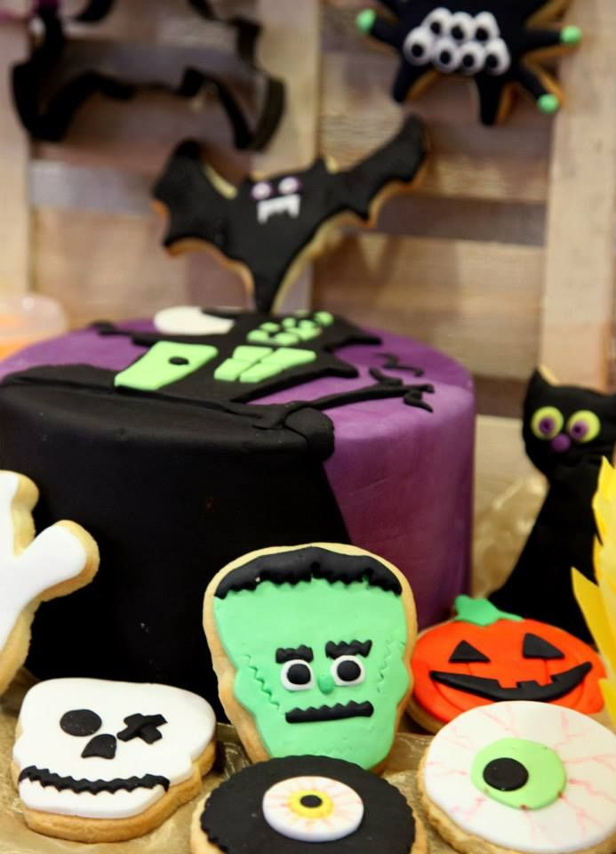 halloween cake and cookies