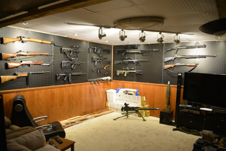 Awesome gun room armes pinterest awesome guns gun for Gun vault room