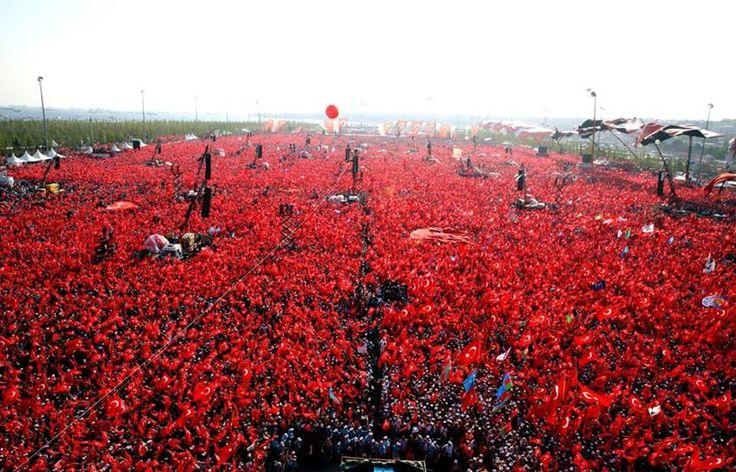 Milyonlar darbeye karşı Yenikapı'da buluştu. 7.8.2016 -  TÜRKİYE