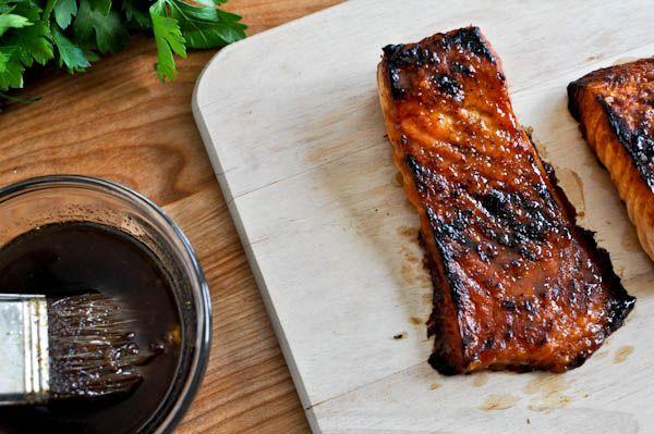Bourbon Glazed Salmon    makes about 1/2 cup of glaze    1 pound fresh salmon    1 tablespoon coarse sea salt    1/2 tablespoon black pepper    3/4 cup bourbon    2/3 cup brown sugar    1 garlic clove, minced    1 teaspoon apple cider vinegar    1 tablespoon worcestershire sauce    1 tablespoon honey