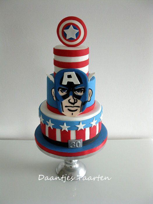 Vou tentar fazer o bolo de papel e tecido, gostei deste  modelo de bolo.