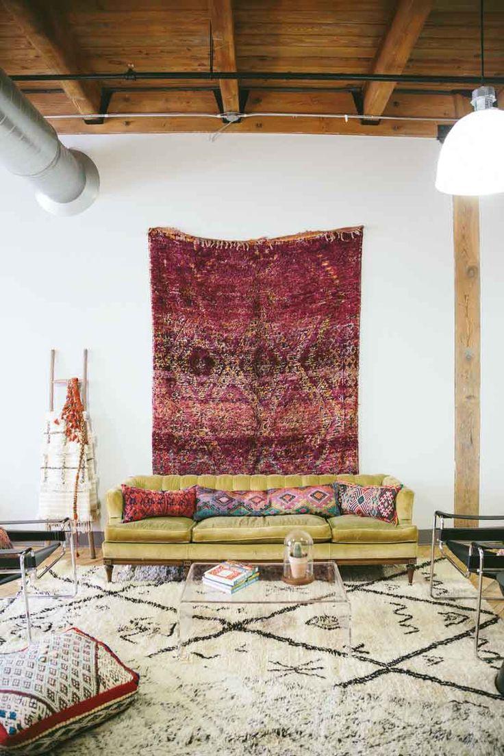 大きな布を貼るのもいいな。Semikah Textiles