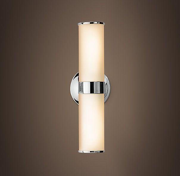 Lámparas para los lados del espejo en baño ppal. Se puede colocar arriba del espejo, pero particularmente me gusta para los lados porque tiene más superficie de iluminación, de hecho, este es el modelo en el que pensé para ese baño