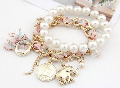 so light...bracelet...elephant maybe bring us piece of happiness ;-)
