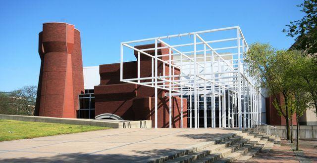 Peter Eisenman. el arquitecto del deconstructivismo moderno | Centros de arte. Arquitectura y Deconstructivismo