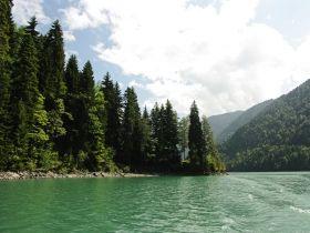Фотографии озера Рица