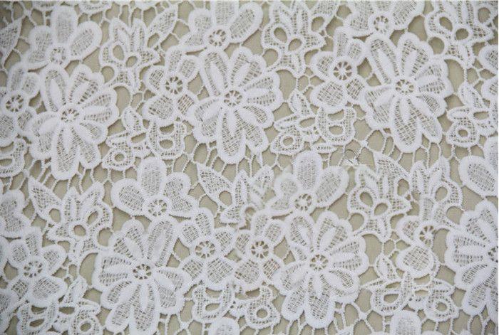 Оптовые цветочные вышитые материал для платья аксессуары свадебные украшения белый кружевной ткани купить на AliExpress