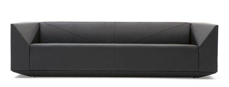 Ozellikle executive alanlarda ercih edilen GHOST kanepe ve koltuk Neotek'te!