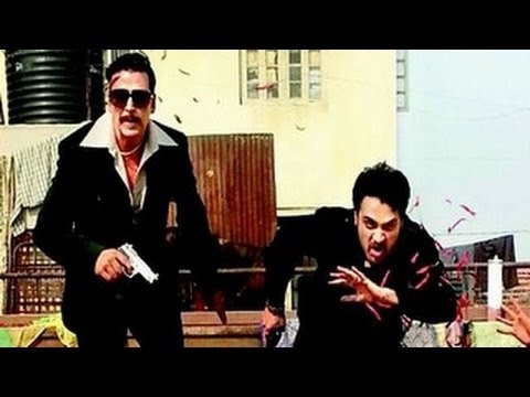 Once Upon a Time in Mumbai Again FIRST LOOK- Bollywood actors Akshay Kumar and Imran Khan seem to have slipped into their characters of Mumbai gangsters pretty well in director Milan Luthria's film Once Upon A Time In Mumbaai 2.    For more Bollywood news and gossip  http://www.youtube.com/show/bollywoodnewsgossip    Subscribe at   http://www.youtube....