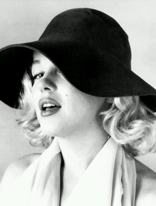 Marilyn Monroe   Carl Perutz, 1958.