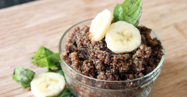 Chocolate for breakfast? Yes please! This sweet dish is actually a satisfying start to the day. http://greatist.com/eat/recipes/chocolate-banana-breakfast-quinoa
