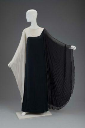 Gnyuki Torimaru, Evening Gown, British, late 20th century, Museum of Fine Arts, Boston.