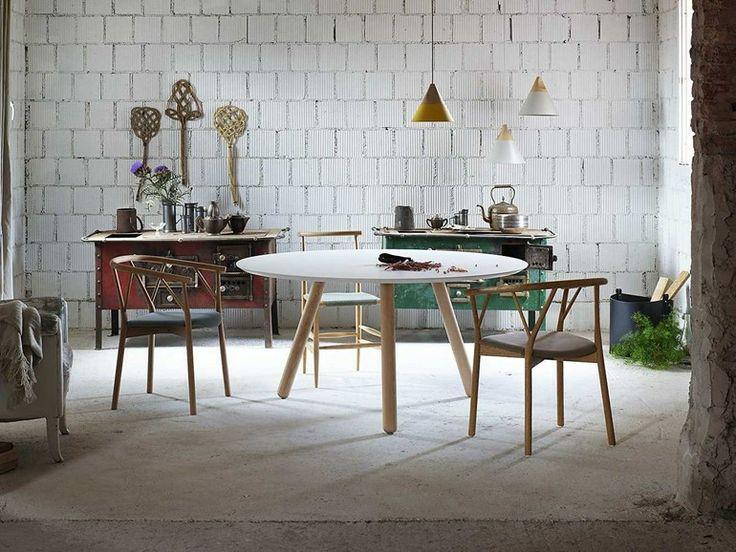 Lacquered round MDF table PIXIE by Miniforms | design Oggimai Studio