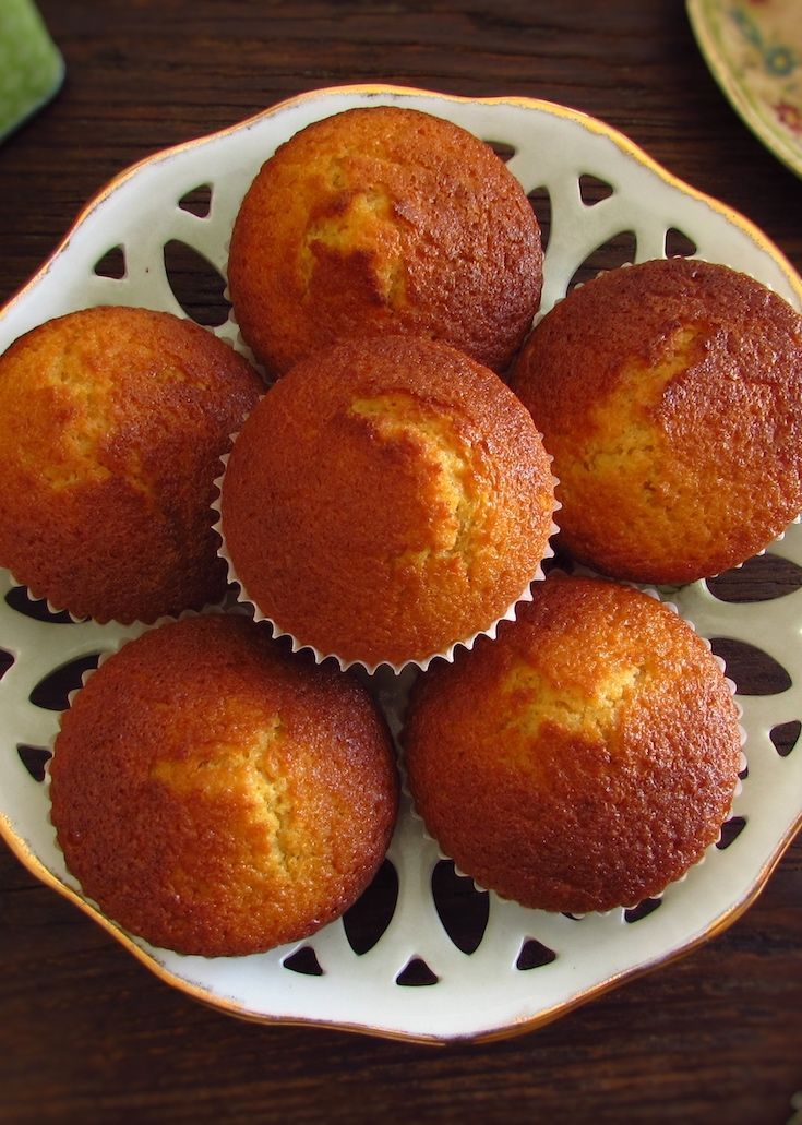 Milk muffins | Food From Portugal. Going to invite friends for snack and want to prepare something light and delicious? Make these tasty milk muffins, they are easy to prepare, have excellent presentation and can be served with tea or coffee. Bon appetit!!