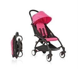 Babyzen YoYo klapvogn med sort stel samt pink betræk.  En klapvogn med en fræk farve!