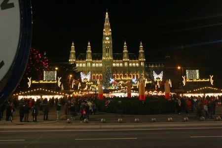 673107_vianocne-trhy-vieden-vianoce.jpg (450×300)