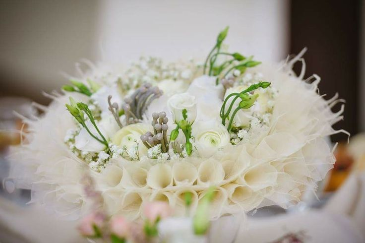 Bridal bouquet with skeleton leaves by Atelier Floristic Aleksandra concept Alexandra Crisan