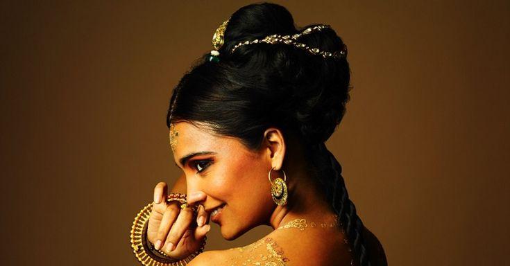 СЕКРЕТЫ КРАСИВЫХ ВОЛОС ИНДИЙСКИХ ЖЕНЩИН. ТЕПЕРЬ ТЕБЕ НЕ ПОНАДОБЯТСЯ САЛОННЫЕ ПРОЦЕДУРЫ Ухоженные волосы – это гордость индийских женщин. Длина волос у них редко бывает выше середины спины. С самого детства в богатых семьях маленьких девочек учат следить за ними. Мы подготовили для тебя …