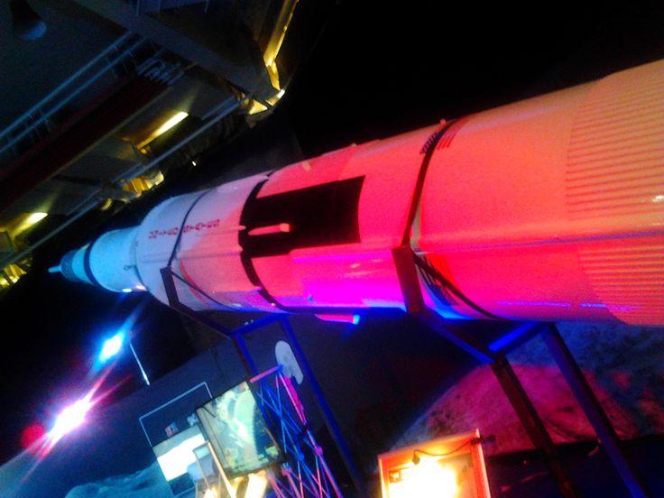 Gateway to space. Lunární raketa Saturn V