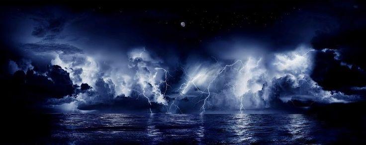 Relâmpago do Catatumbo, na Venezuela: esse fenômeno ocorre durante 140-160 noites por ano, 10 horas por noite e até 280 vezes por hora.