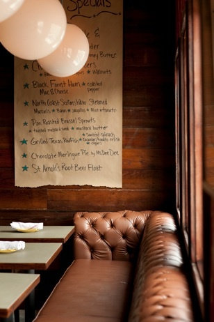 use of butchers paper for a menu instead of chalkboard.
