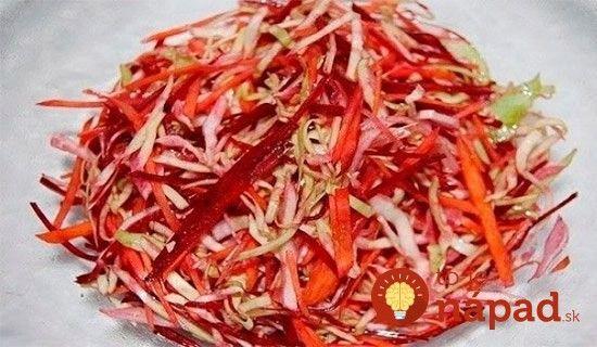 Vynikajúci šalát z kapusty a červenej repy, ktorý je nabitý vitamínmi a pomôže vám pri zdravom chudnutí!