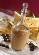 IRISH CREAM (30 cl de whisky, 100 g de chocolat noir, 300 g de crème épaisse, 400 g de lait concentré sucré, 1 c à c de café lyophilisé) MACERATION : 4 heures
