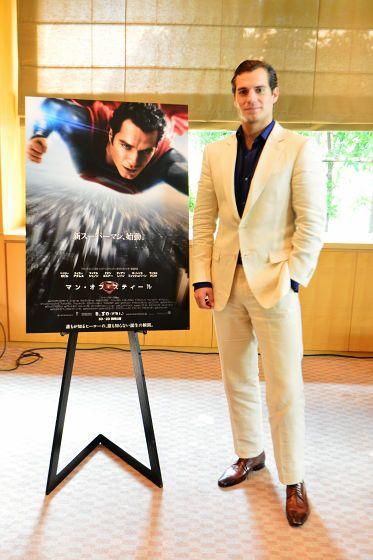 「マン・オブ・スティール」クラーク・ケント役のヘンリー・カビルはスーパーマンその人だった - GIGAZINE
