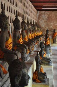 ワットシーサケットの仏像。ラオス 旅行・観光の見所!