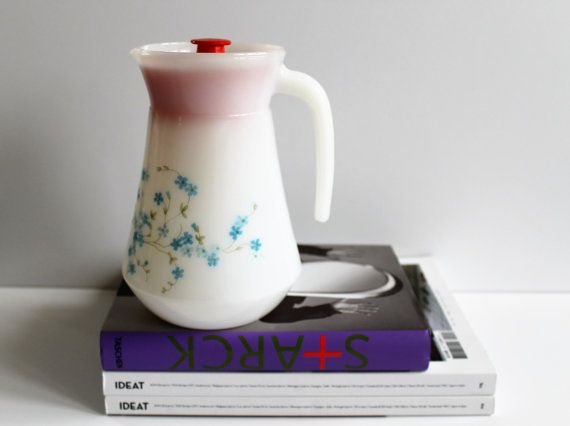 Français Vintage Arcopal pichet/Carafe - Veronica - Myosotis Pattern - verre de lait - 70 s - motif Floral - bleu-Made in France-Kitchenalia