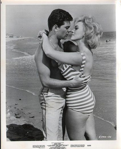 Frankie Avalon Beach Party 1963 8 X 10 Photo (38280)