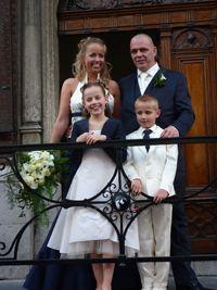 Het hele gezelschap in blauw-ivoor. Super! Natuurlijk van Corrie's bruidskindermode. Bruidsmeisje, bruidsjonker, bruidskinderen, trouwen, bruiloft, huwelijk. bruidskindermode.nl