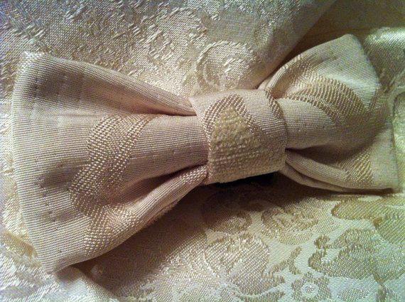 PAPILLON Bianco con motivi in Velluto Bow Tie Men di Idillyum