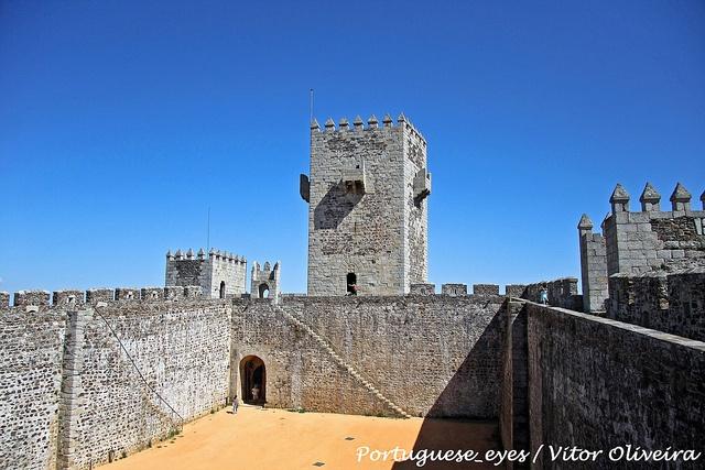 Castelo de Sabugal - Portugal by Portuguese_eyes, via Flickr