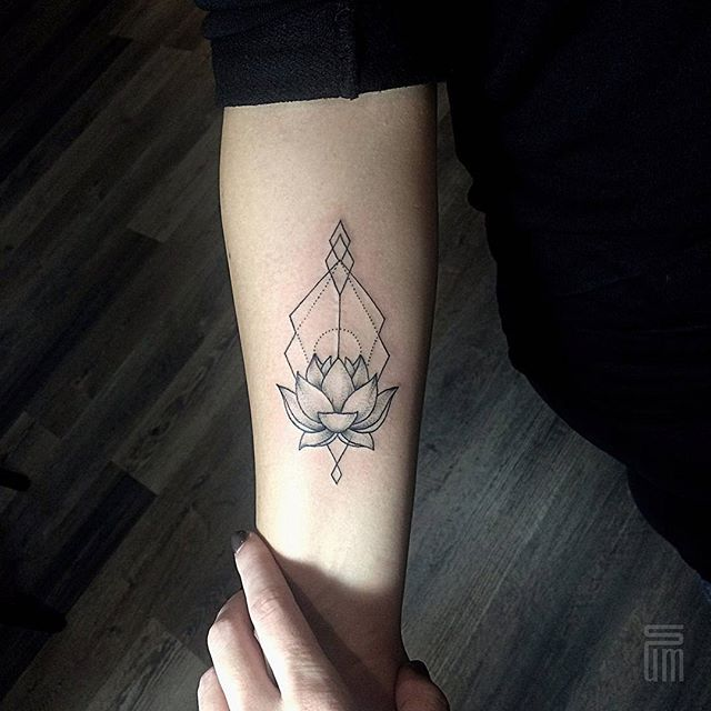 linework lotos tattoo