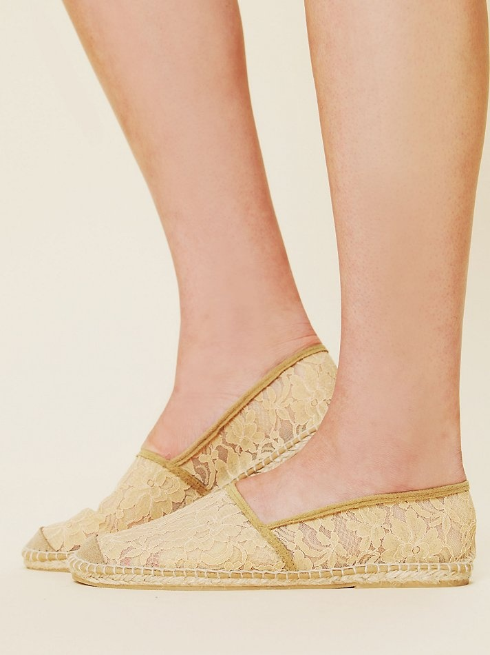 Free People Amelia Lace Espadrille: Free People Clothing, People Amelia, Amelia Lace, Lace Shoes, Espadrillefr People, Lace Espadrillefr, New Shoes, Freepeopl Com, Clothing Boutiques