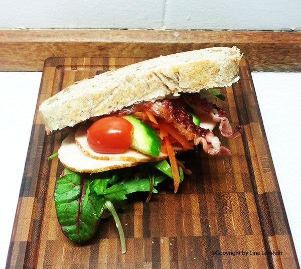 Kylling - bacon - alioli sandwich