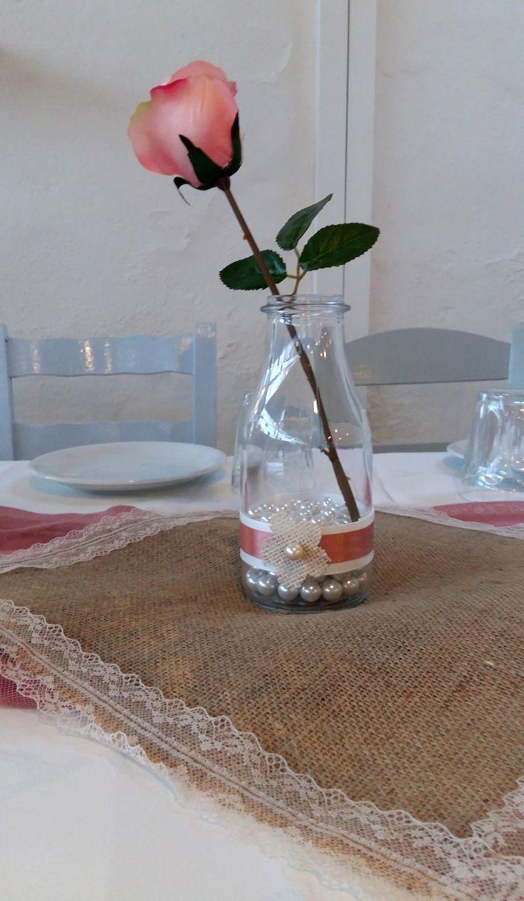 Βάζα γεμάτα πέρλες και τριαντάφυλλα, ξύλινα μπαουλάκια γεμάτα κοριτσίστικους θησαυρούς!#myeventfairies #events #boutiqueevents #tables #deco #decoration