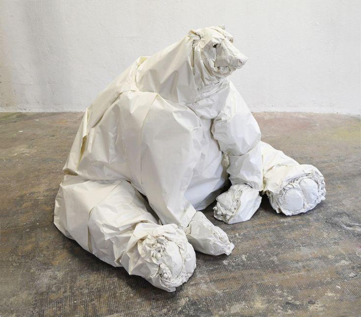 Coralie GRANDJEAN-Ère glacière papier froissé, 103x140x147cm, 2014